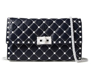 Valentino Rockstud Studded Classic Shoulder Quilted blue Clutch