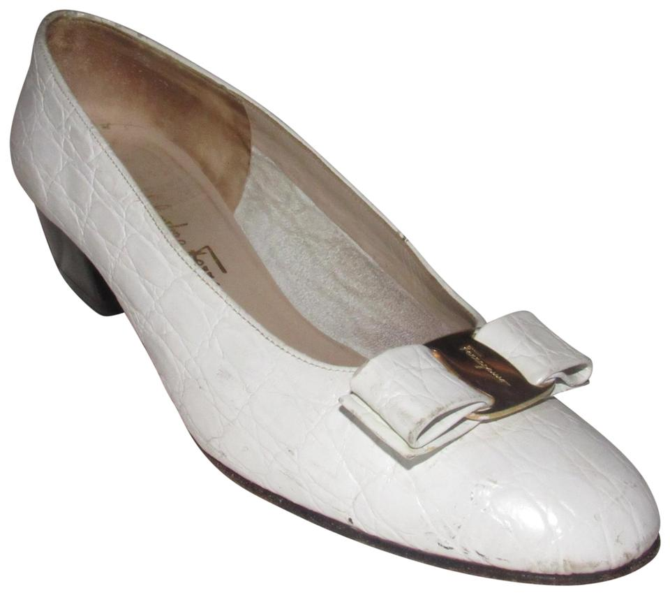 ed7b8be86bc8 Salvatore Ferragamo White Crocodile Leather  vara  Bow Vintage Shoes Designer  Flats