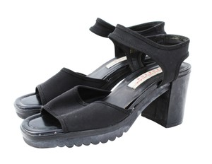 Gloria Vanderbilt 90s Stretch Pull On Chunky Black Sandals