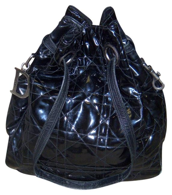 Item - Cannage Quilted Large Drawstring Black Patent Leather Hobo Bag