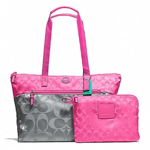 Coach Tote 2 Piece Set Packable Foldable Nylon Washable Tote Beach Pink, Gray Travel Bag