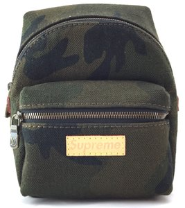 b3fa05e7a213 Louis Vuitton x Supreme Backpacks - Up to 90% off at Tradesy