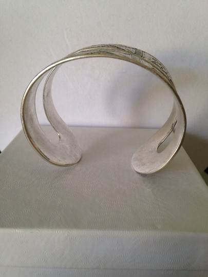 Lucky Brand NWOT Silver-Tone Aztec Design Cuff Bracelet