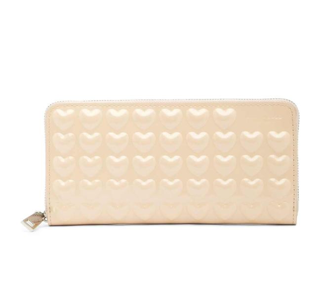 Item - Seashell Peach Embossed Hearts Continental Wallet