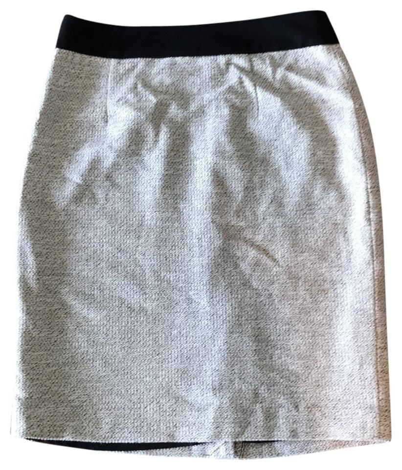 59882c48ca Banana Republic White Tweed Skirt Size 4 (S, 27) - Tradesy