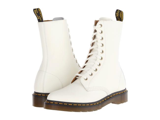 Item - White Alix Pointy Toed 10 Eye Boots/Booties Size US 9 Regular (M, B)