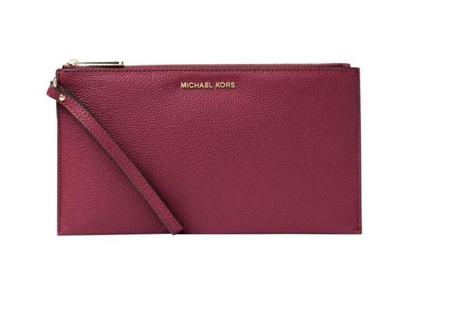 Item - Bedford Clutch Lg Zip Red Leather Wristlet