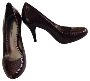 Gianni Bini Embossed Patent Nestle Brown Pumps