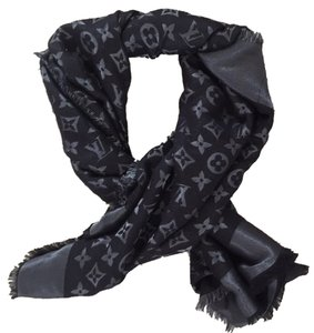 Louis Vuitton Louis Vuitton Monogram Shine Shawl Black