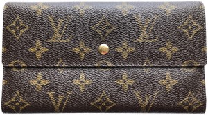 Louis Vuitton LOUIS VUITTON ( lv ) MONOGRAM INTERNATIONAL WALLET