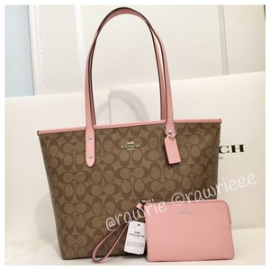 Coach Monogram Zip Top Shoulder Classic Tote in Khaki Pink