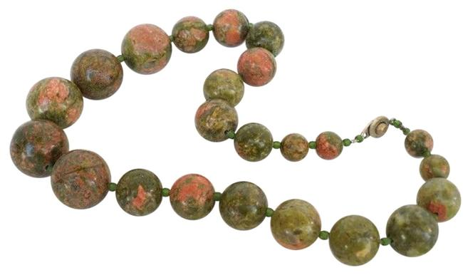 "Item - Green and Peach Unakite Large 21mm To 10mm Graduated Stone 16"" Necklace"