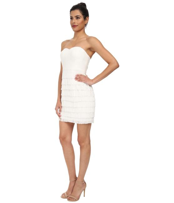 Item - White Strapless 151a9230 with Fringe Skirt Mid-length Cocktail Dress Size 12 (L)