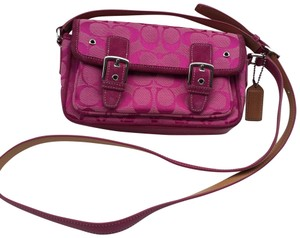 b7ffb964db Coach Signature Crossbody Bags - Up to 70% off at Tradesy