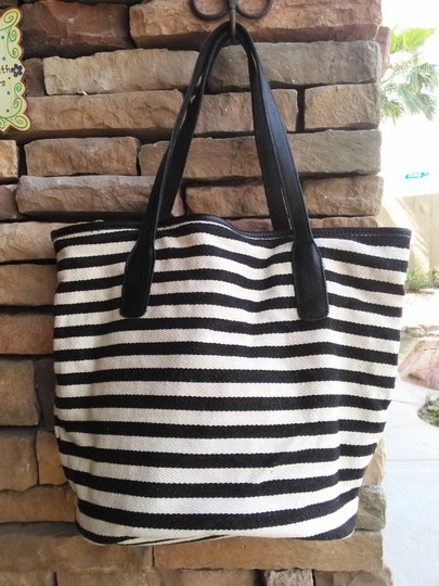 massi Tote in black/white stripe