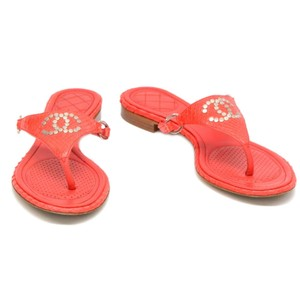 0602dfdc11b9b3 Chanel Flip Flops - Up to 70% off at Tradesy