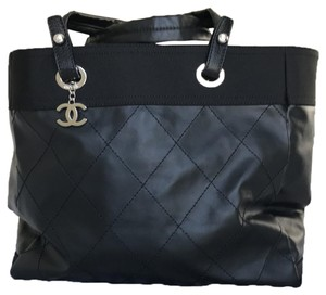 43be3b92ca28 Chanel Canvas Tote Bags - Up to 70% off at Tradesy (Page 7)