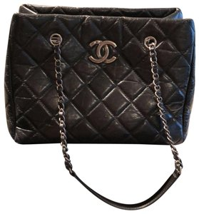 Chanel Lambskin Tote in Black