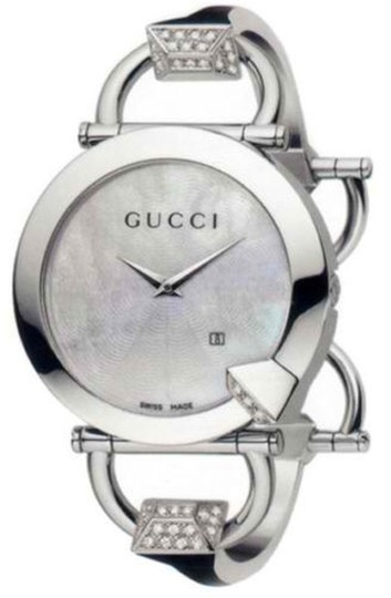Gucci Gucci Ladies Chiodo Diamonds Mother-of-Pearl Wristwatch Model YA122506