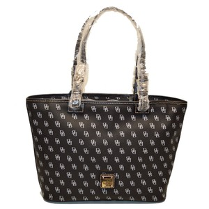 Dooney & Bourke Gretta Small Leisure Shopper Tote in BLACK