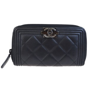 Chanel Boy Black Lambskin Medium Zip Wallet