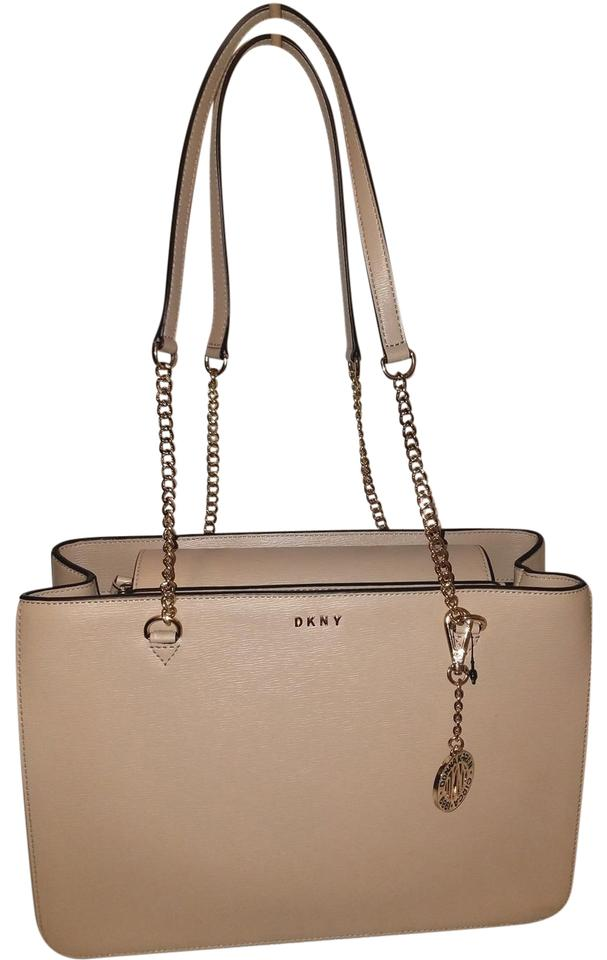 Donna Karan Leather Excellent Condition Tote In Camel