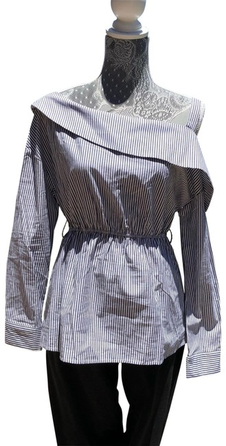 Preload https://img-static.tradesy.com/item/23543842/romeo-and-juliet-couture-new-off-shoulder-blouse-size-8-m-0-1-650-650.jpg