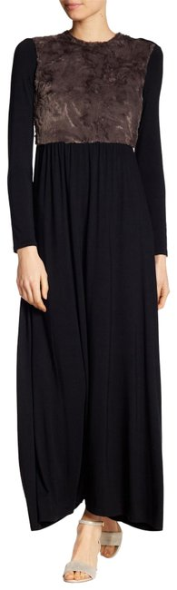 Go Couture Black Sleeve Faux Fur Inset Long Casual Maxi Dress Size 4 (S) Go Couture Black Sleeve Faux Fur Inset Long Casual Maxi Dress Size 4 (S) Image 1