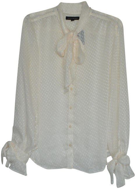Preload https://img-static.tradesy.com/item/23545088/banana-republic-ivory-blouse-size-4-s-0-1-650-650.jpg