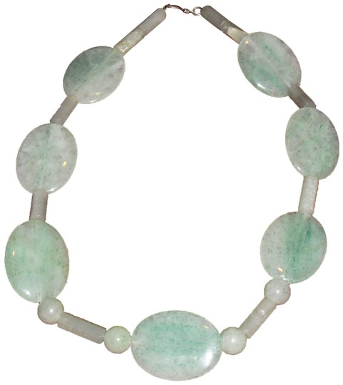 Preload https://img-static.tradesy.com/item/23545097/very-large-green-and-white-jade-21-free-shipping-necklace-0-2-540-540.jpg