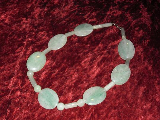 Other Very Large Green And White Jade Necklace.. 21