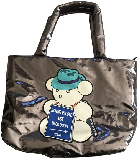 Preload https://item1.tradesy.com/images/tous-silver-tote-23545450-0-1.jpg?width=440&height=440