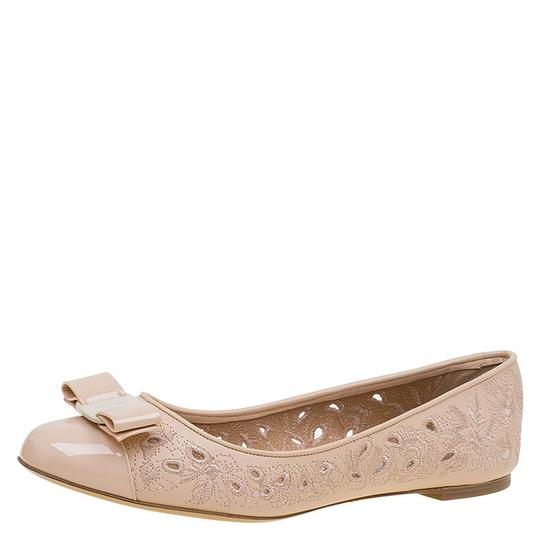 Preload https://img-static.tradesy.com/item/23545467/salvatore-ferragamo-beige-laser-cut-embroidered-leather-varina-ballet-flats-size-eu-405-approx-us-10-0-0-540-540.jpg