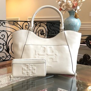 Tory Burch Summer Large Logo Tote in ivory