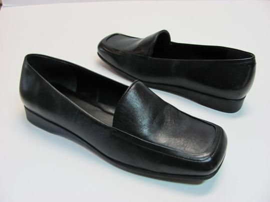 Naturalizer New Leather Size 7.50 Wide Width BLACK Flats