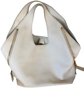 Tom Ford Hobo Bags - Up to 90% off at Tradesy 13331fc89cf6a