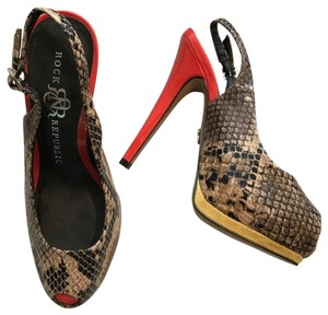 Rock & Republic Brown Red Yellow Pumps