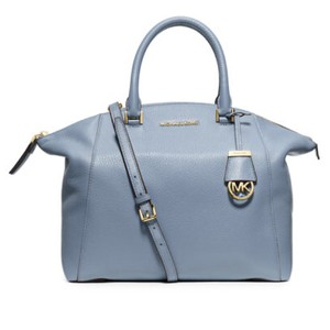 3281be126720 Michael Kors Riley Totes - Up to 70% off at Tradesy