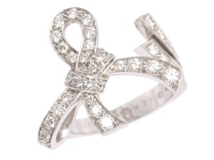 Van Cleef & Arpels Gold and Diamond Ruban Between-the-Finger Ring