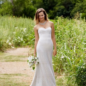 Watters Shades Of Ivory Fabric: Romantic Lace Stretch Satin Lining. Lace Over Champagne Lining. Love Marley Lana 54112 Feminine Wedding Dress Size 10 (M)