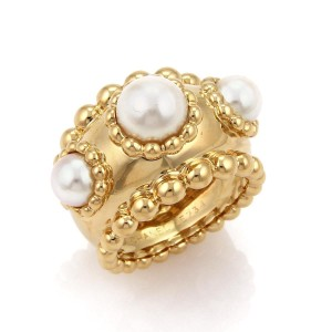 9d5a5f33459d31 Chanel Rings on Sale - Up to 70% off at Tradesy (Page 5)