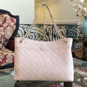 Tory Burch Leather Tote in pale apricot