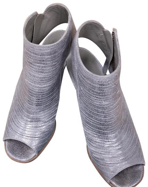 Item - Metallic Silver Brush Met Platin 47110 Pumps Size US 6.5 Regular (M, B)
