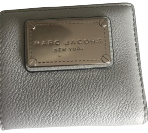 ff7c46cec0 Marc Jacobs Classic Open Face Billfold Leather Wallet