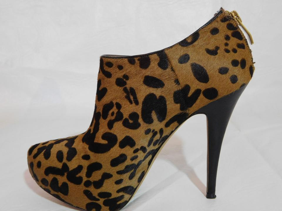 3fa0d9e19ea Vince Camuto Brown Calf Hair Leopard Print Ankle Boots Booties Size ...