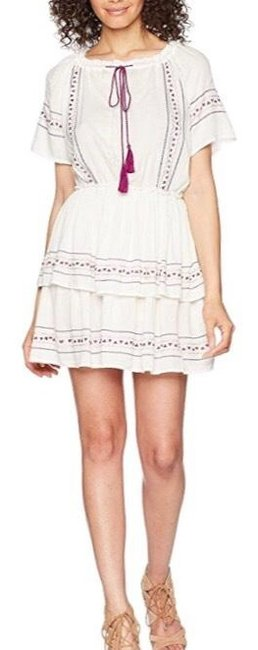 Item - Cream with Embroidered Accent Sleeve Mid-length Short Casual Dress Size 8 (M)