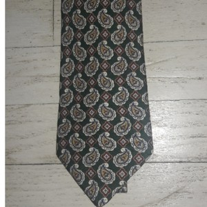 Burberry Silk Paisley Design Colors Green Cream Red Blue 60 In X 4 In Nwot Tie/Bowtie