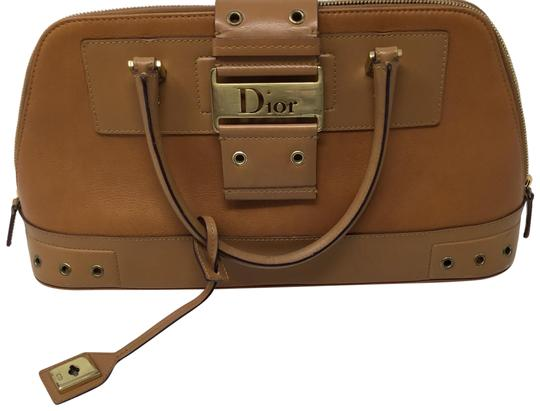 Preload https://img-static.tradesy.com/item/23558458/dior-street-chic-handle-tan-leather-satchel-0-1-540-540.jpg
