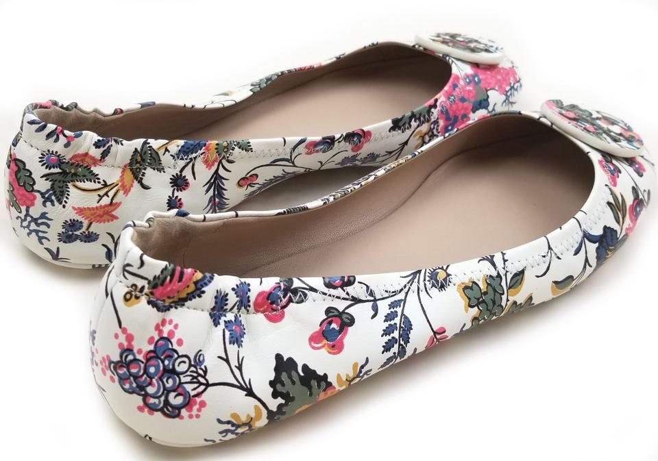 89fe541dadd Tory Burch Travel Ballet Tonal Logo Rubber Outsole T Logo Medallion Folds  In Half Gabriella Floral. 123456789