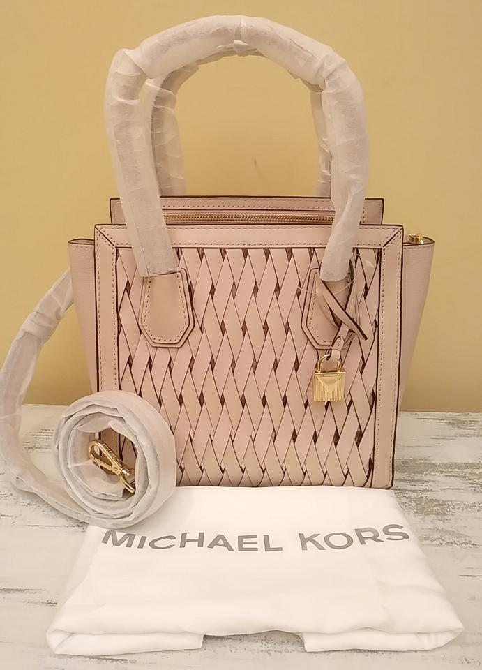 f71114cd81162e Michael Kors Purse Sale Mercer Small Tote in Pink Image 11. 123456789101112